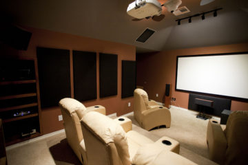 1200px-Dedicated_home_theater
