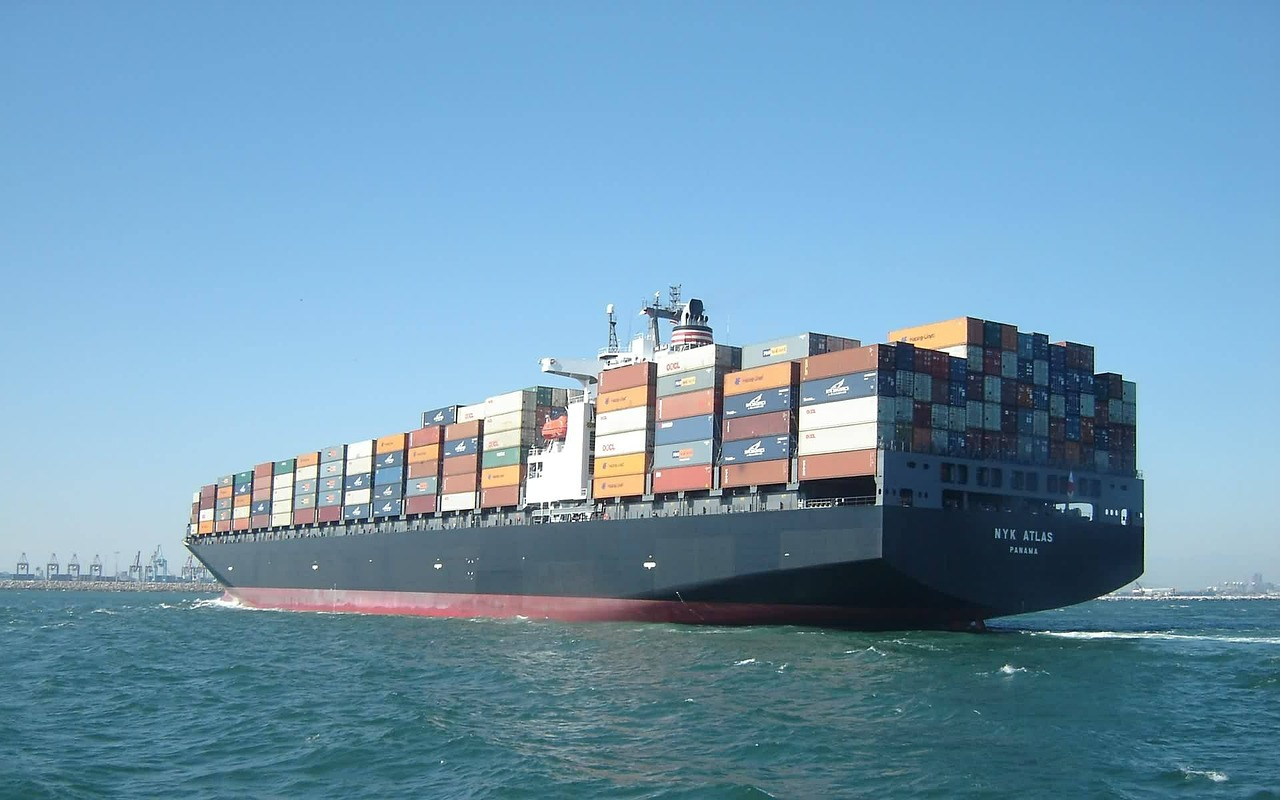 container-ship-560789_1280