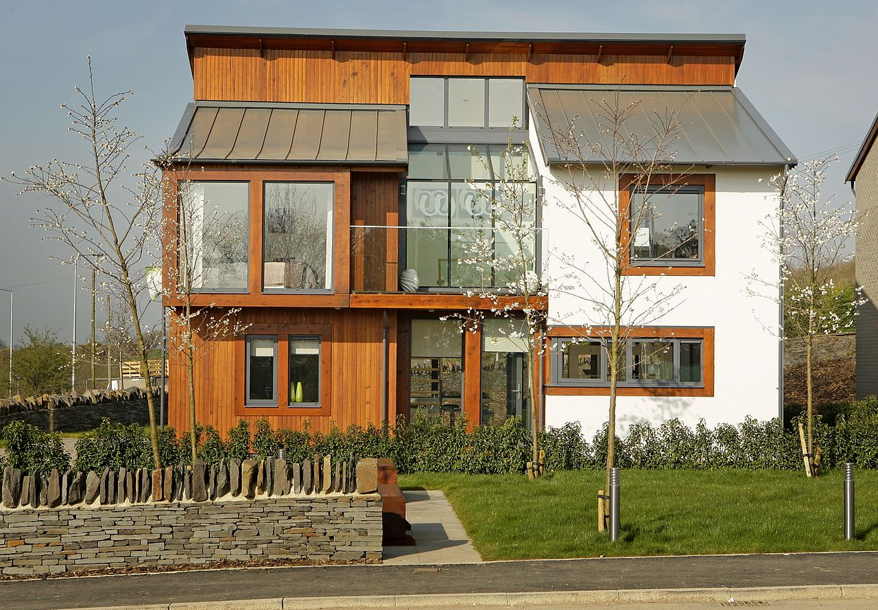 1280px-The_Sessile,_award-winning_property_at_the_Naturally_Woodlands_development
