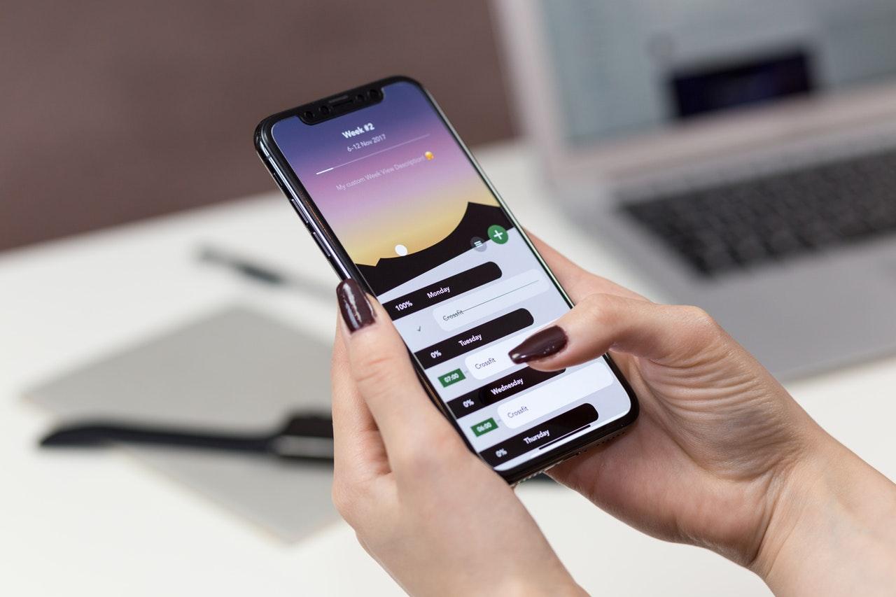 connection-data-desk-892757